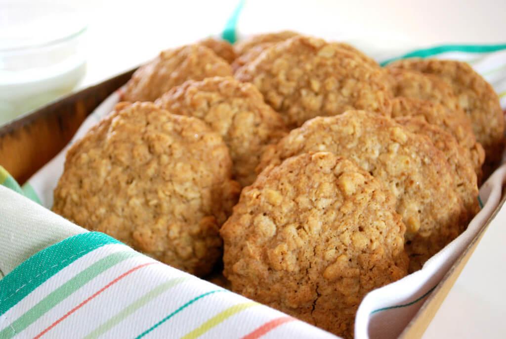 Oatmel-Cookies-Artisan-supercloseup-1024x685
