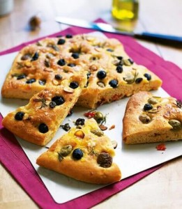 475755-1-eng-GB_olive-focaccia-470x540